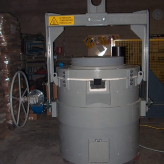Gas Heated tilting transfer ladle 350 kg capacity